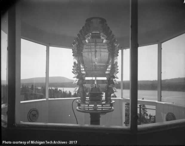 Large lighthouse lens